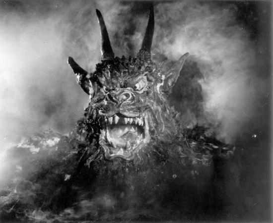 Still from Night of the Demon (1957)