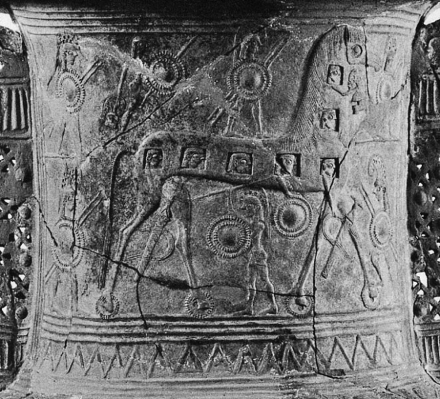 Trojan Horse from a 7th-century BCE Cycladic vase