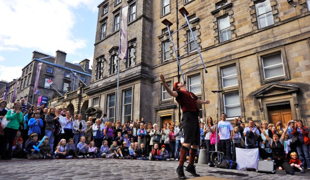 Edinburgh sees the final weekend of the Edinburgh Fringe Festival 2009 (Wikipedia image)