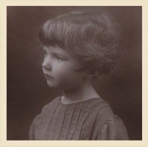 Young Joan Aiken (photo: http://joanaiken.com/pages/gallery.html)