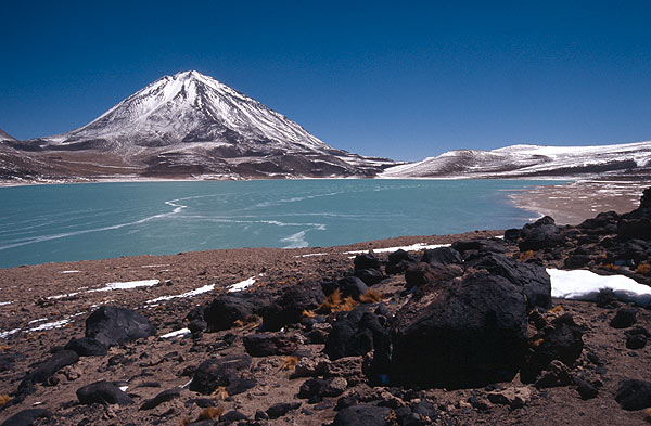 Laguna Verde and Mt Licancabur (credit: http://www.paxgaea.com/images/Laguna_Verde_and_Volcano_Licancabur_on_the_border_between_Chile_and_Bolivia.jpg)