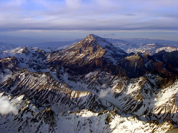 Aerial view of Aconcagua, Argentina, the highest summit in the Andes by Beatriz Moisset [CC BY-SA 3.0 (http://creativecommons.org/licenses/by-sa/3.0)], via Wikimedia Commons