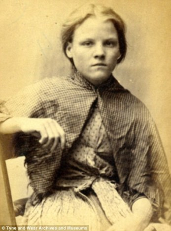 Street girl 1870s (credit: Tyne and Weir Archives and Museums)